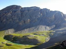 Depuis le Bonnet Carré, (2770 m), la Petite Cavale à droite.