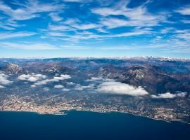 Les Alpes de la Méditérranée vue du ciel